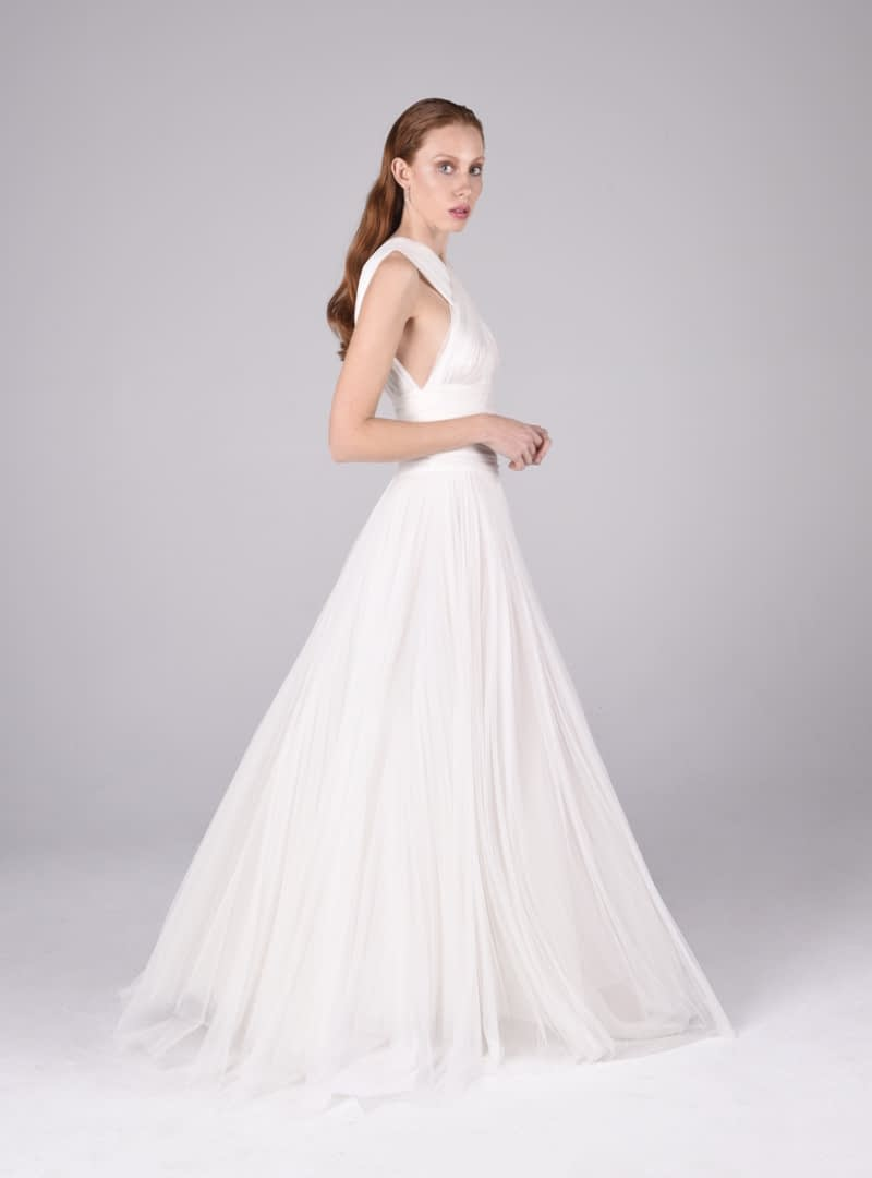 The Valeria wedding dress is a creation of Haute Couture by CRISTINA SAURA.