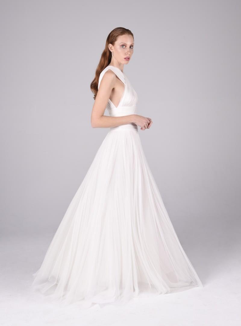 El vestit de núvia Valeria és una creació d'Alta Costura de CRISTINA SAURA.