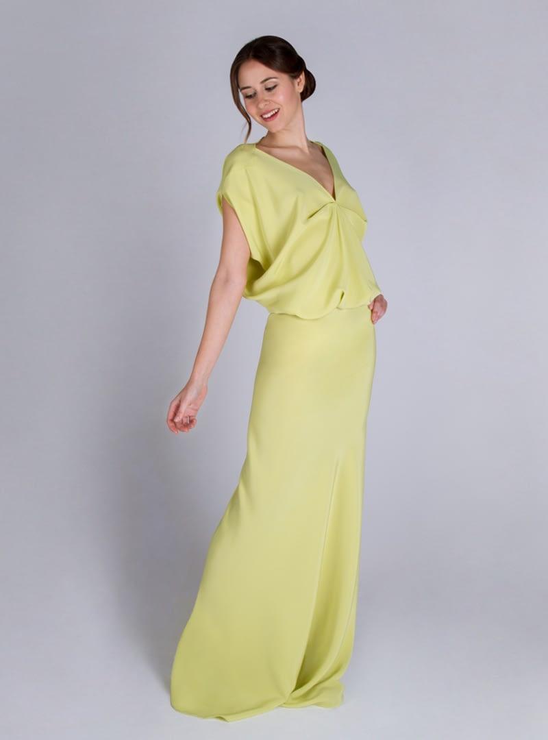 Diseño de CRISTINA SAURA para vestido de fiesta, de estilo sofisticado.