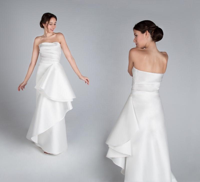 Innovación y artesanía diferencian los trajes de novia de CRISTINA SAURA, como el diseño Leonor.